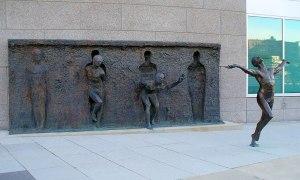 Tu olde por Zenos Frudaki, Filadelfia